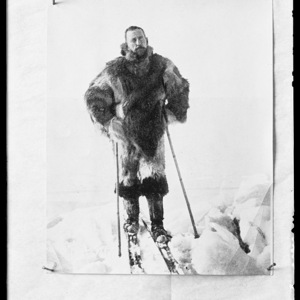 Amundsen on skis